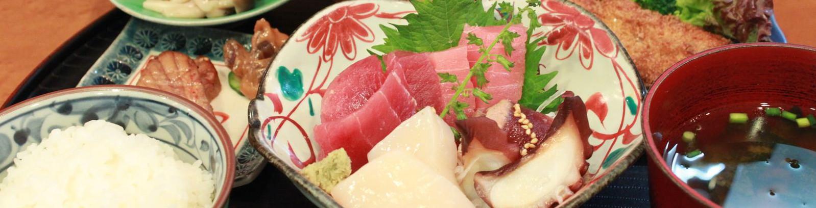 三崎のマグロや地魚をゆったりと楽しめる小料理屋 浜町 神港